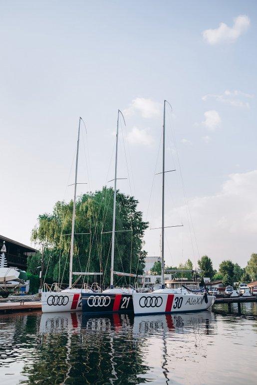 Яхт клуб